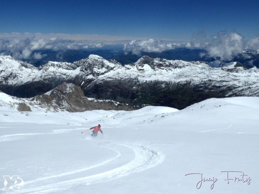 Powder day Maladetas en Junio y esquiando.